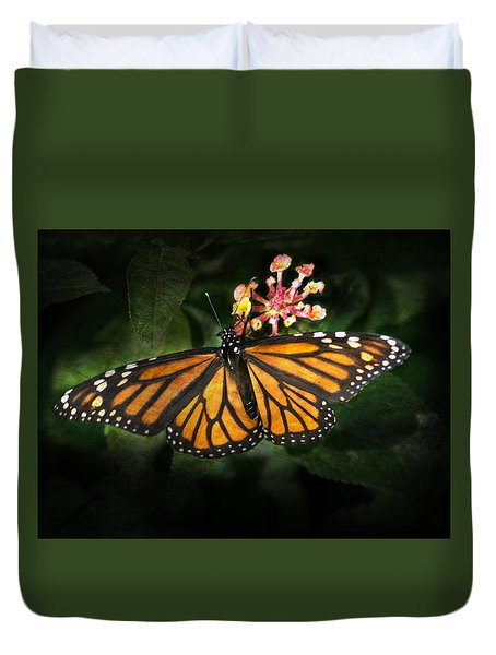 Monarch Butterfly On Lantana Duvet Cover