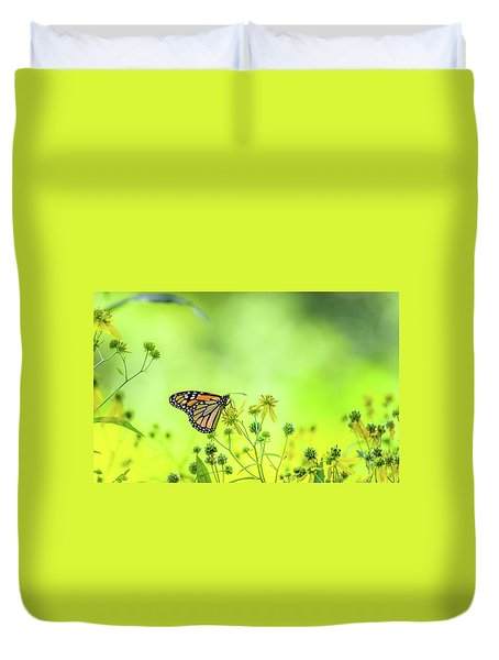 Duvet Cover featuring the photograph Monarch Butterfly by Lori Coleman