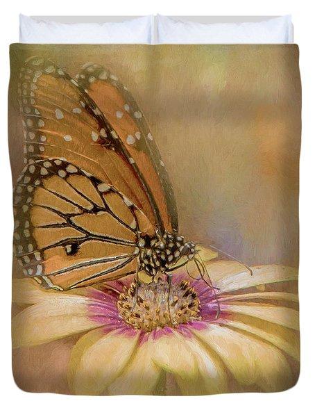 Monarch On A Daisy Mum Duvet Cover