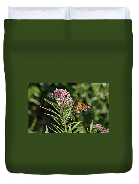 Duvet Cover featuring the photograph Monarch On Milkweed by Sandy Keeton