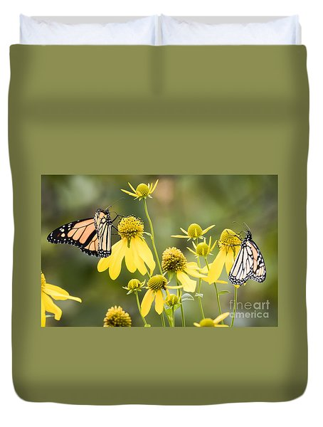 Monarchs Of Wisconsin Duvet Cover