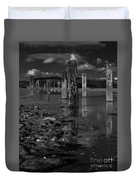 Mono Groynes 3 Duvet Cover
