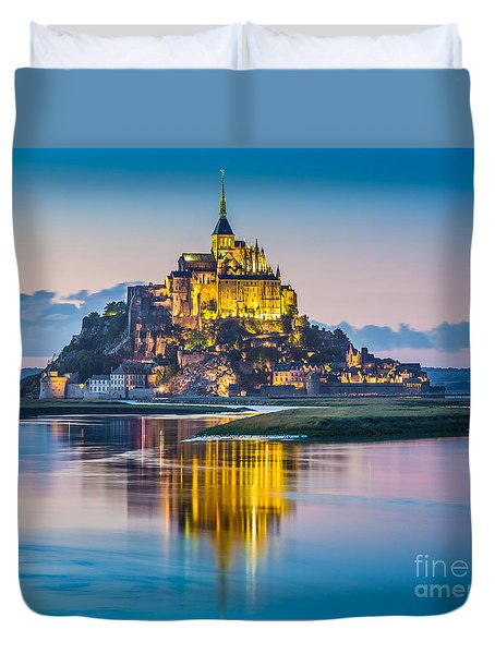 Mont Saint-michel In Twilight Duvet Cover