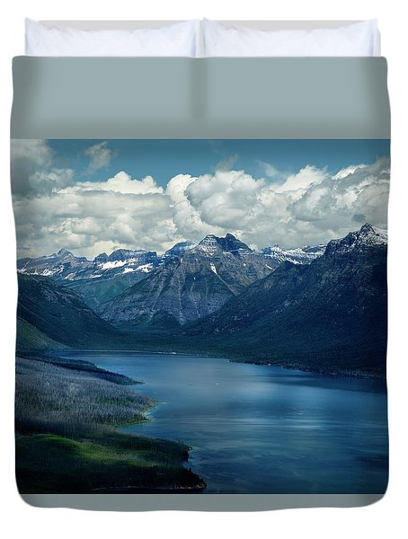 Montana Mountain Vista And Lake Duvet Cover