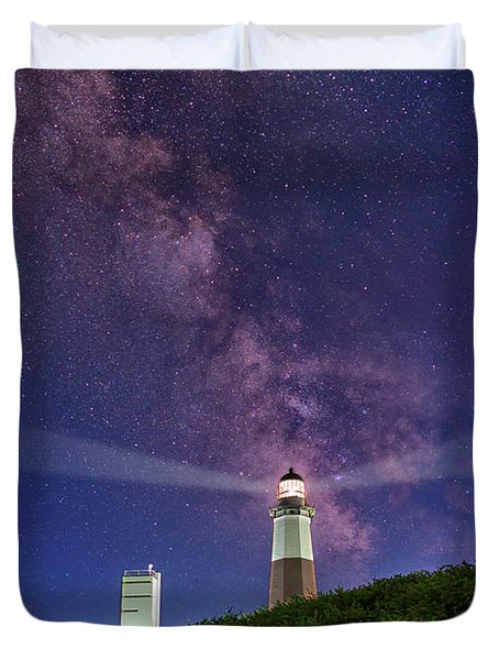 Montauk Point And The Milky Way Duvet Cover by Rick Berk