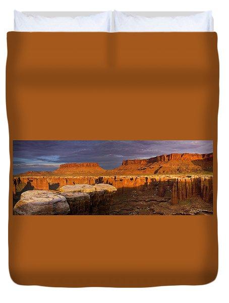 Monument Basin Sunrise Panorama Duvet Cover