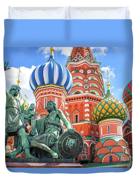Monument To Minin And Pozharsky Duvet Cover by Delphimages Photo Creations