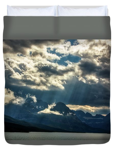 Moody Sunrays Over Glacier National Park Duvet Cover
