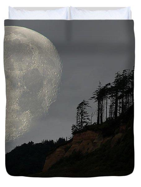 Moon At Roosevelt Beach Wa Duvet Cover