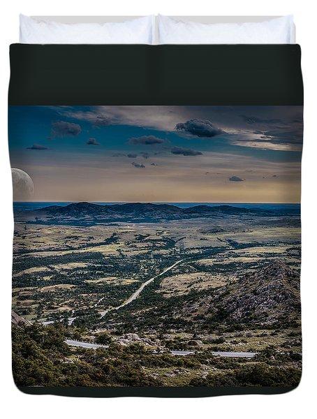 Moon On The Plains Duvet Cover by Doug Long