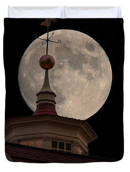 Moon Over Mount Vernon Duvet Cover