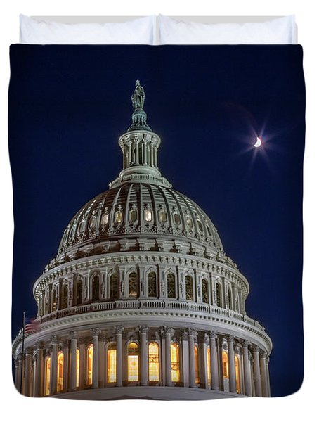 Moon Over The Washington Capitol Building Duvet Cover