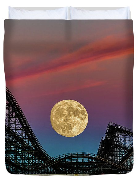 Moon Over Wildwood Nj Duvet Cover by Nick Zelinsky