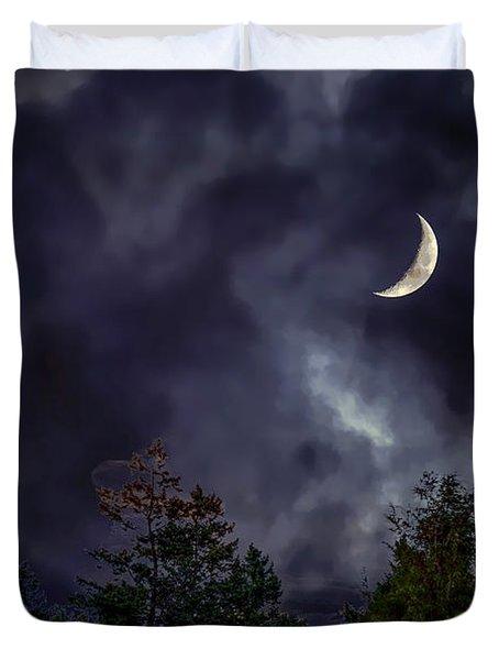 Moon Shine Over The Okanagan Duvet Cover