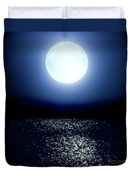 Duvet Cover featuring the photograph Moonlight by Tatsuya Atarashi