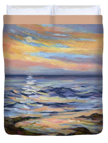 Moonrise At Cabrillo Beach Duvet Cover