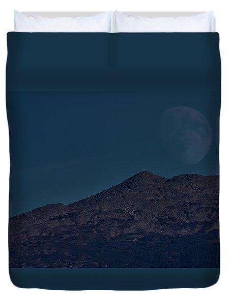 Moonrise Mount Adams Duvet Cover