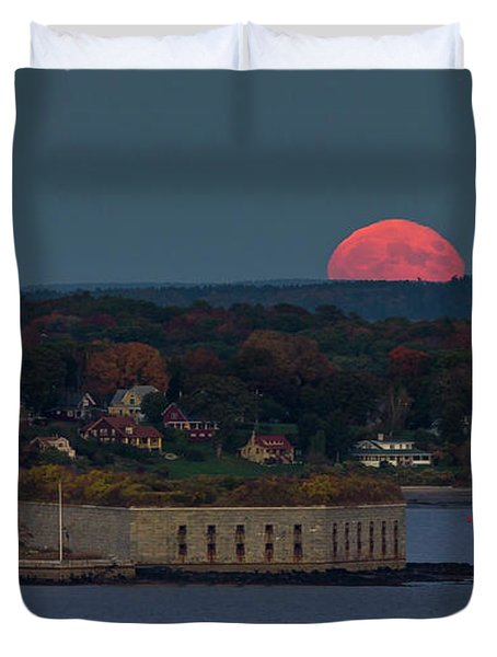 Moonrise Over Ft. Gorges Duvet Cover