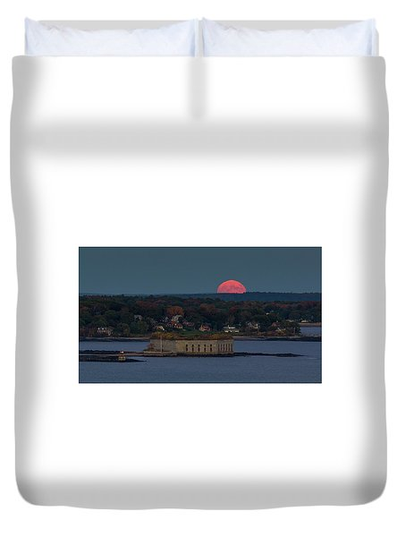 Moonrise Over Ft. Gorges Duvet Cover