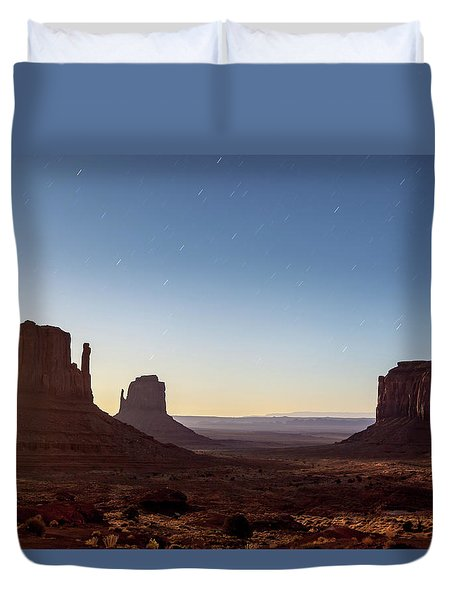 Moonrise Over Monument Valley Duvet Cover