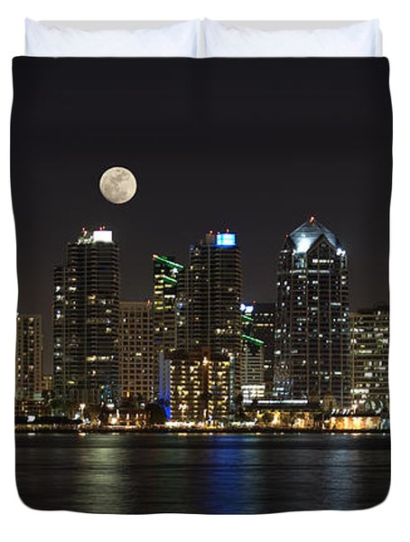 Moonrise Over San Diego Duvet Cover