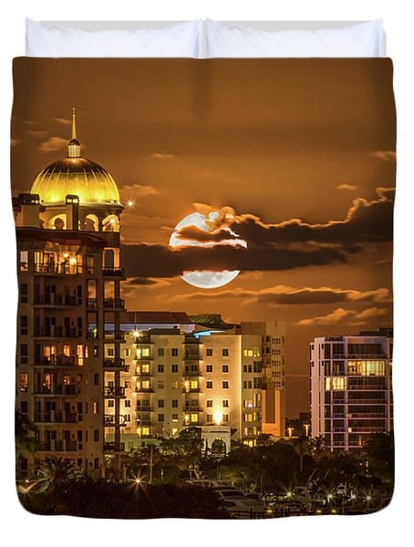 Moonrise Over Sarasota Duvet Cover