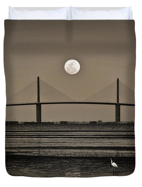 Moonrise Over Skyway Bridge Duvet Cover