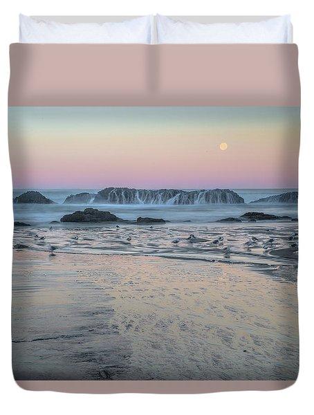 Moonset At Seal Rock Duvet Cover