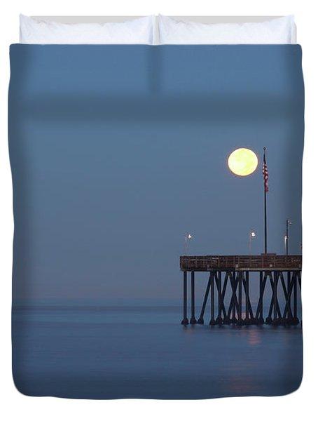 Moonset At The Ventura Pier Duvet Cover