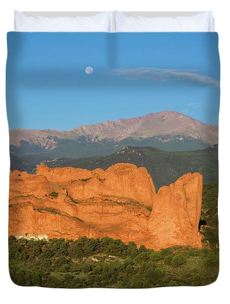 Moonset Over The Kissing Camels And Pikes Peak, Garden Of The Go Duvet Cover