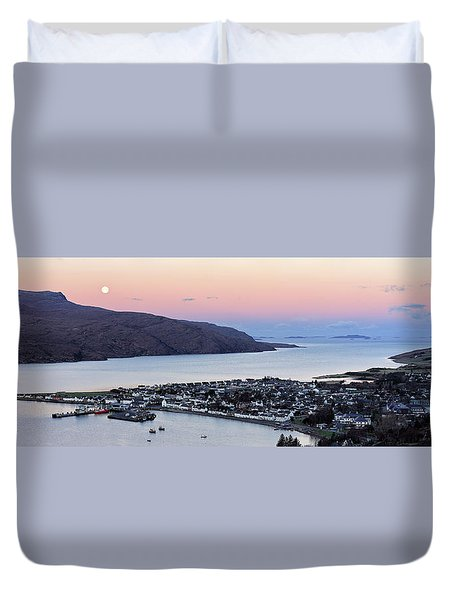 Duvet Cover featuring the photograph Moonset Sunrise Over Ullapool by Grant Glendinning