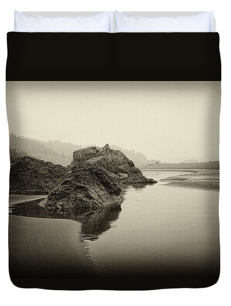 Duvet Cover featuring the photograph Moonstone Beach by Hugh Smith