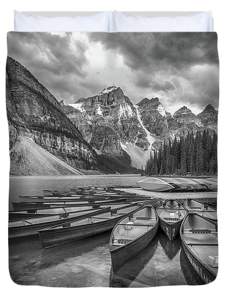 Moraine Lake In Black And White Duvet Cover