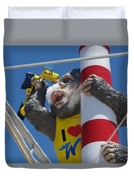 Duvet Cover featuring the photograph Morey's Kong by Greg Graham