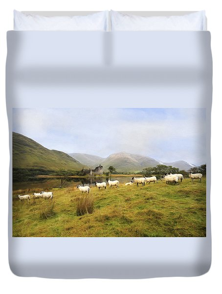Duvet Cover featuring the photograph Morning At Kilchurn by Roy  McPeak