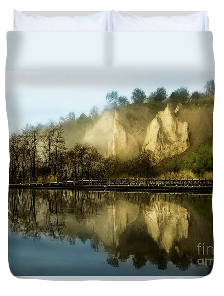 Morning At The Bluffs Duvet Cover