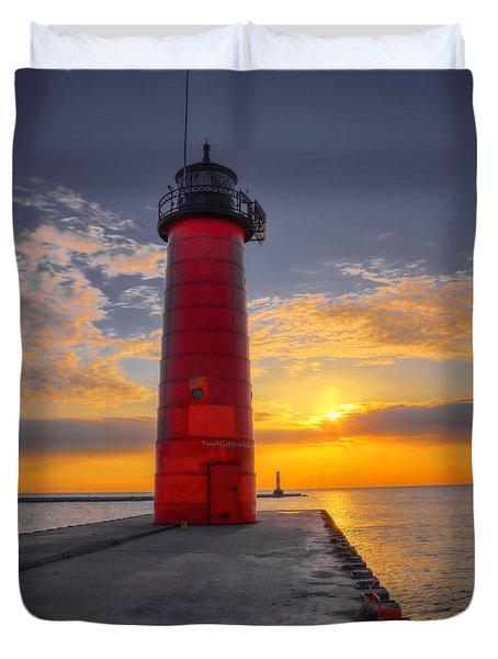 Morning At The Kenosha Lighthouse Duvet Cover