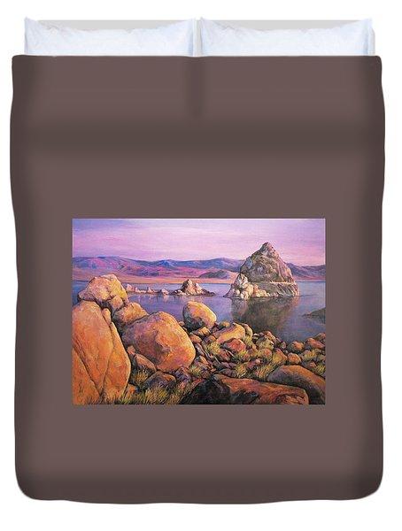 Morning Colors At Lake Pyramid Duvet Cover