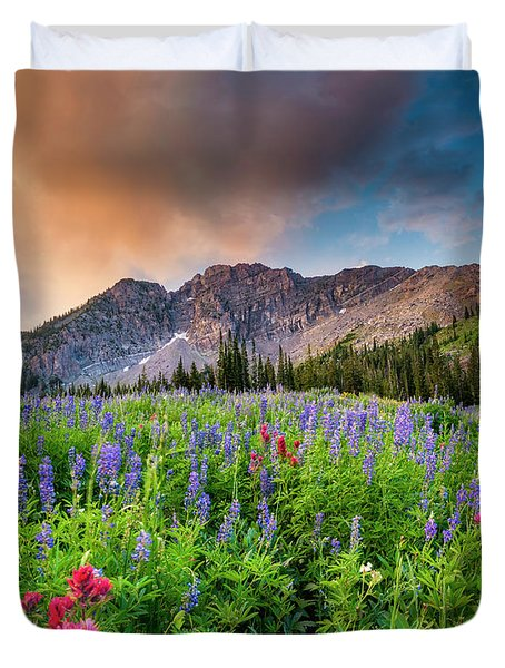 Morning Flowers In Little Cottonwood Canyon, Utah Duvet Cover