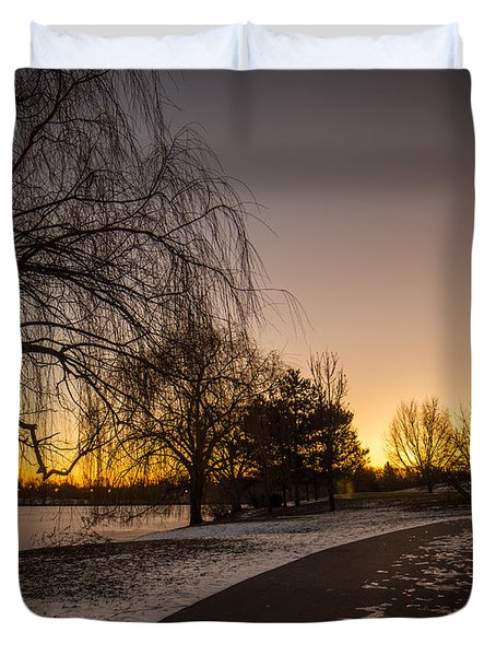 Morning Glow Along Hoyt Lake Duvet Cover