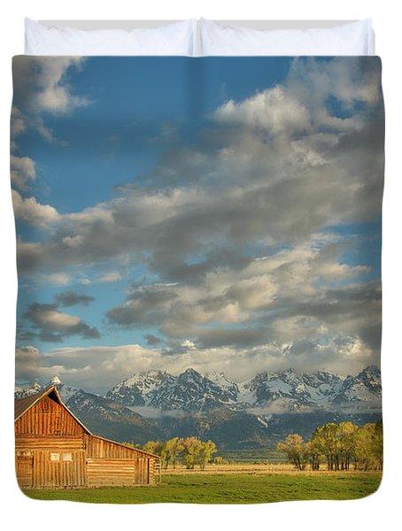 Morning Light On Moulton Barn Duvet Cover