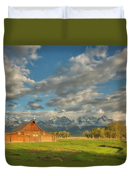 Morning Light On Moulton Barn Duvet Cover