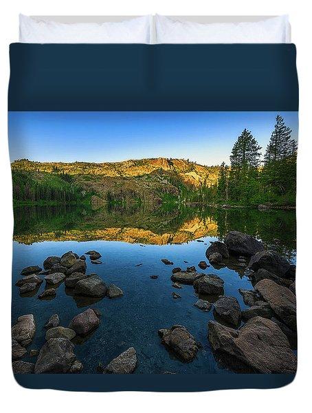 Morning Reflection On Castle Lake Duvet Cover