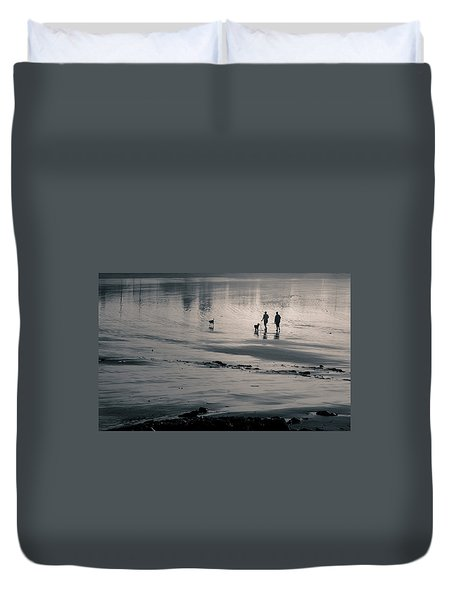 Morning Walk, Gooch's Beach, Kennebunk, Maine Duvet Cover