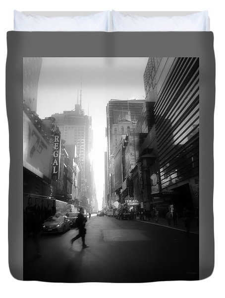 Duvet Cover featuring the photograph Morning Walk In Ny by Ross Henton