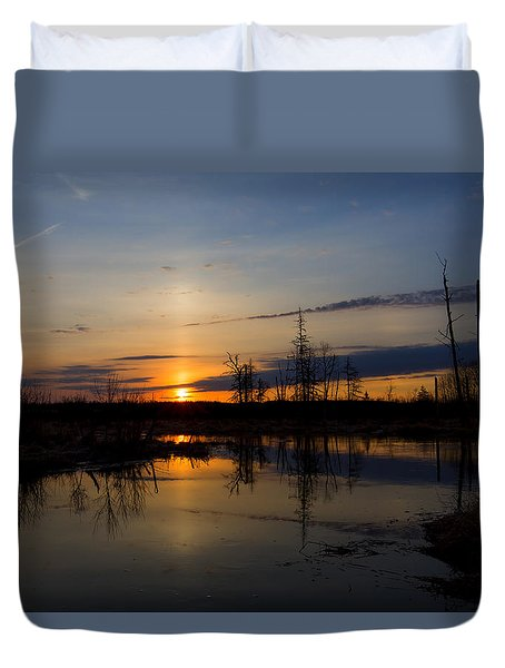 Morning Wilderness Duvet Cover by Gary Smith