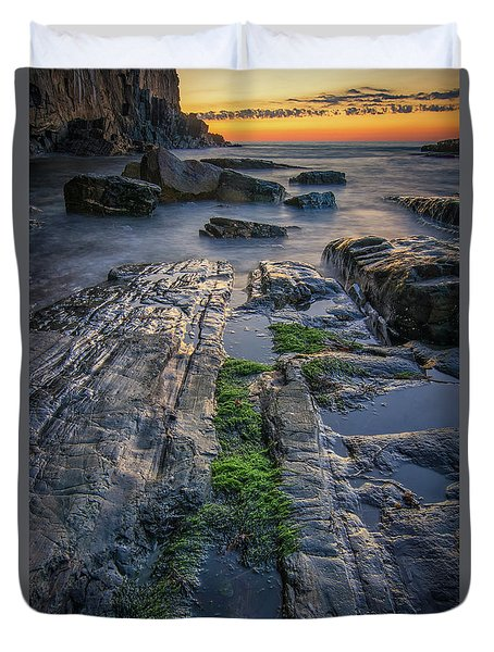 Mossy Rocks At Bald Head Cliff  Duvet Cover