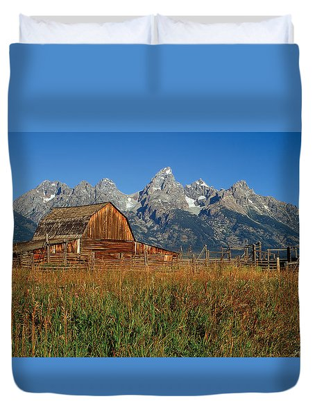 Moulton Barn Pano View Duvet Cover