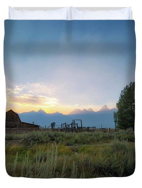 Moulton Barn Sunset On Mormon Row Duvet Cover