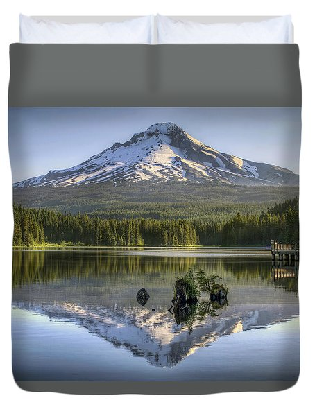 Mount Hood Reflection On Trillium Lake Duvet Cover by David Gn